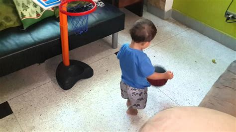 Niño basketbolista - YouTube