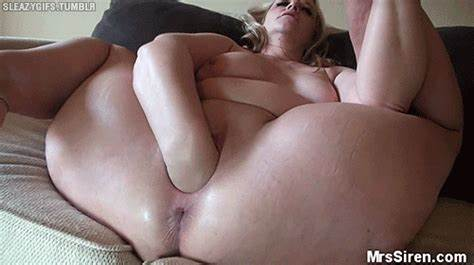 Super Stepdaughter Fists Her Own Clit dee siren