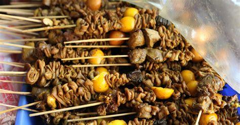 Sate kere dari jeroan sapi dibakar | yogyakarta street food #bikinngiler. Bahaya! 5 Resiko Makan Sate Usus yang Mengancam Kesehatan
