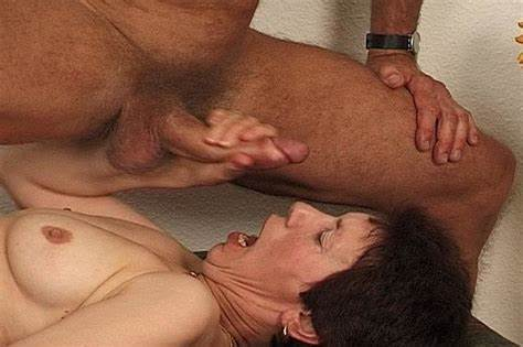 Hairy Cooch Blowjobs Gush Sizzling Stud Suck Granny'S Fuzzy Slit In 69 Position