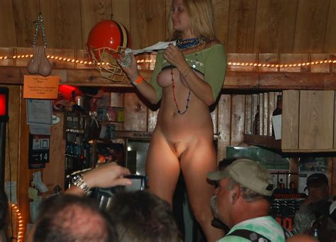 Girls Dancing Naked Public