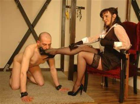 Webcams Humiliation Spanking Plumber Cfnm Submission Camera Shows Live