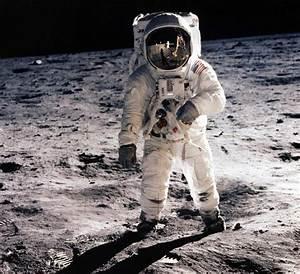 MOON LANDINGS: Bart Sibrel claims the 1969 Moon Landings ...