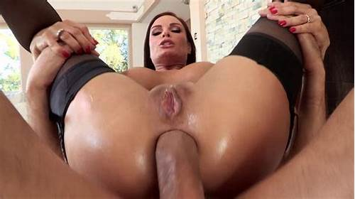 Milf Enjoys The Tasty Of A Old Anal #After #Her #Bubble #But #Is #Oiled #Up #A #Babe #Gets #Analed #Movie