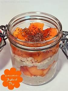 Joghurt Mit Chia : weihnachtlicher amaranth joghurt pop mit kaki und chia samen ~ Watch28wear.com Haus und Dekorationen