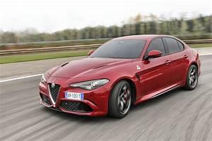 Alfa Romeo Giulia Quadrifoglio Occasion : essai alfa romeo giulia quadrifoglio verde motorlegend ~ Gottalentnigeria.com Avis de Voitures