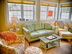 Cottage Style Sofas And Chairs Farmhouse And Country
