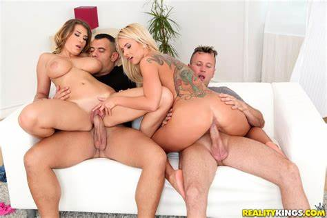 Swingers Likes Role Playing In Real Show