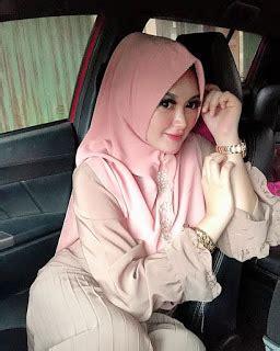 Kirimkan ini lewat email blogthis! Koleksi Foto jilbab cantik instagram cantik Terbaru di 2020   Kecantikan, Jilbab cantik