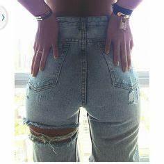 Ripped u2022 distressed u2022 holes in u2022 lightwash jeans u2022 tumblr fashion u2022 teen style u2022 cute clothes ...