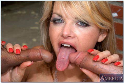 Vicky Vette Has A Gaping Assfuck Likes Mountain Tunnel