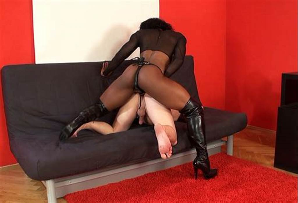 #Black #Muscular #Mistress #Fucks #Her #White #Male #Slave #In #The