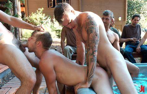 Gang Guys Fucked Sultry Nikki Outdoors