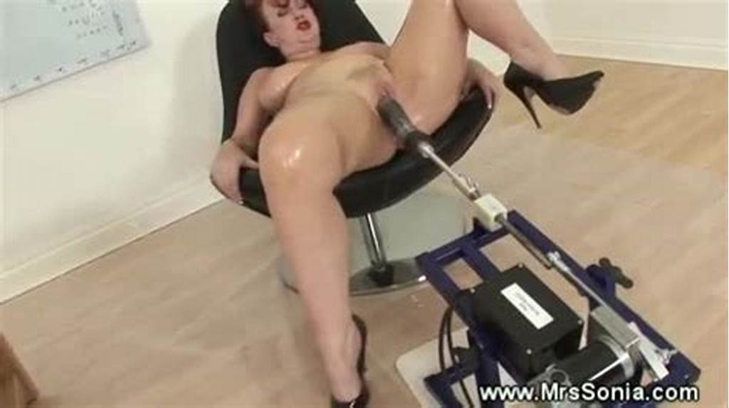 #A #Busty #Mature #And #Fucking #Machine #Xxxbunker