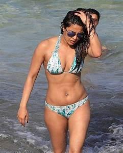 Baywatch in Miami: Priyanka Chopra scorches the beach in ...