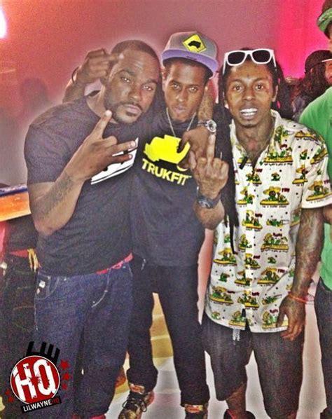Ace hood] i woke up in a new bugatti tats all over my body gettin' real money, niggas still hatin' on me man y'all need a new hobby or they won't talk to me, what they gon' say? Lil Wayne - Bugatti (Freestyle) Lyrics | Genius Lyrics