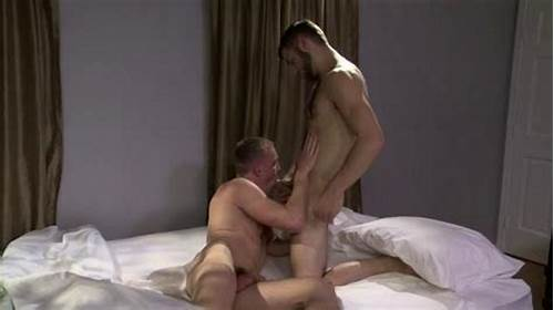 Manning Got Satisfied By Well Endowed Boy Sex Star