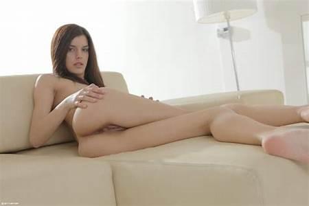 Long Gallery Nude Leg Teen