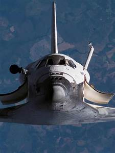 Space Shuttle in zero gravity orbit - up & away into space ...