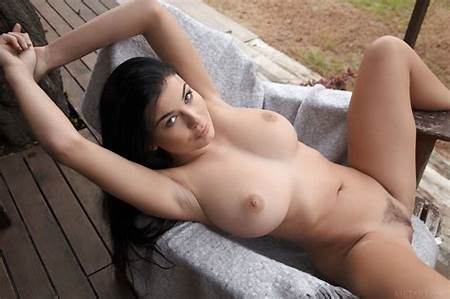 Teen Nude Ass Pictures
