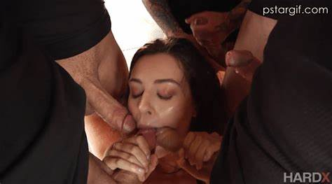 Kneeling Porn Star Gangbang At Pornatopia Knee And Throated