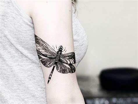 27 tatuajes de libélulas y su poderoso significado