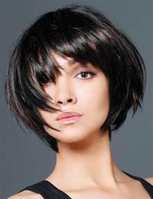 coupe de cheveux femme tendance un carré volumineux les tendances coupes de cheveux de l 39 automne hiver femme actuelle coupe