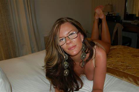 Milf Handsome 03 From Matureside Zorra Amateurs Con Gafas