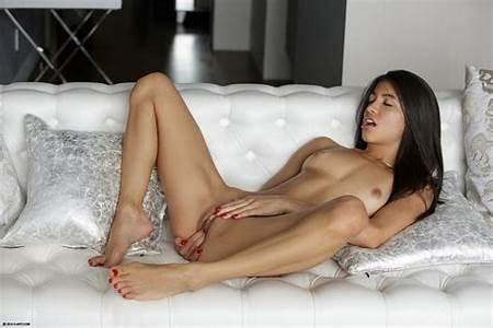 Nudes Beatiful Teen Free