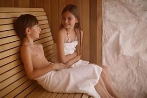 Ab Wann Kind Mit Decke Schlafen : sauna mit kindern ab wann wie lange ist kindersauna gut ~ Bigdaddyawards.com Haus und Dekorationen