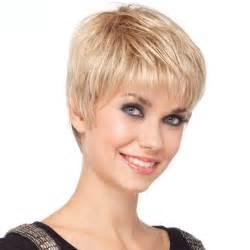 coupe de cheveux courte femme 50 ans coiffure femme coupe courte tendances été 2017