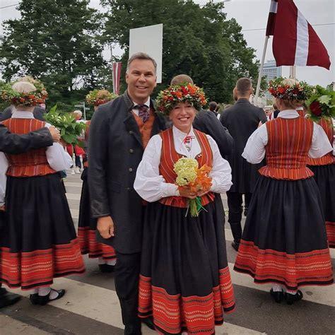 Olga Rajecka laulībā ar Ivo dzīvojot priecīgi: nosvin kāzu ...