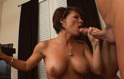 Awesome Colombian Milf Gives A Very Passionate Masturbation