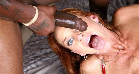 Fucks Session With Sultry Brazil Redhead