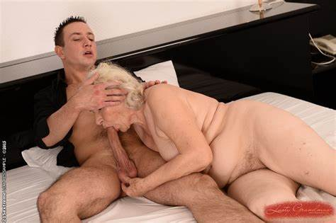 Pornstar Grey Haired Licked Homemade