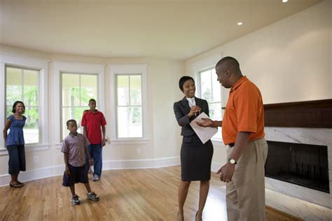 A typical home insurance policy offers you the following protections: Homebuyers' Closing Costs