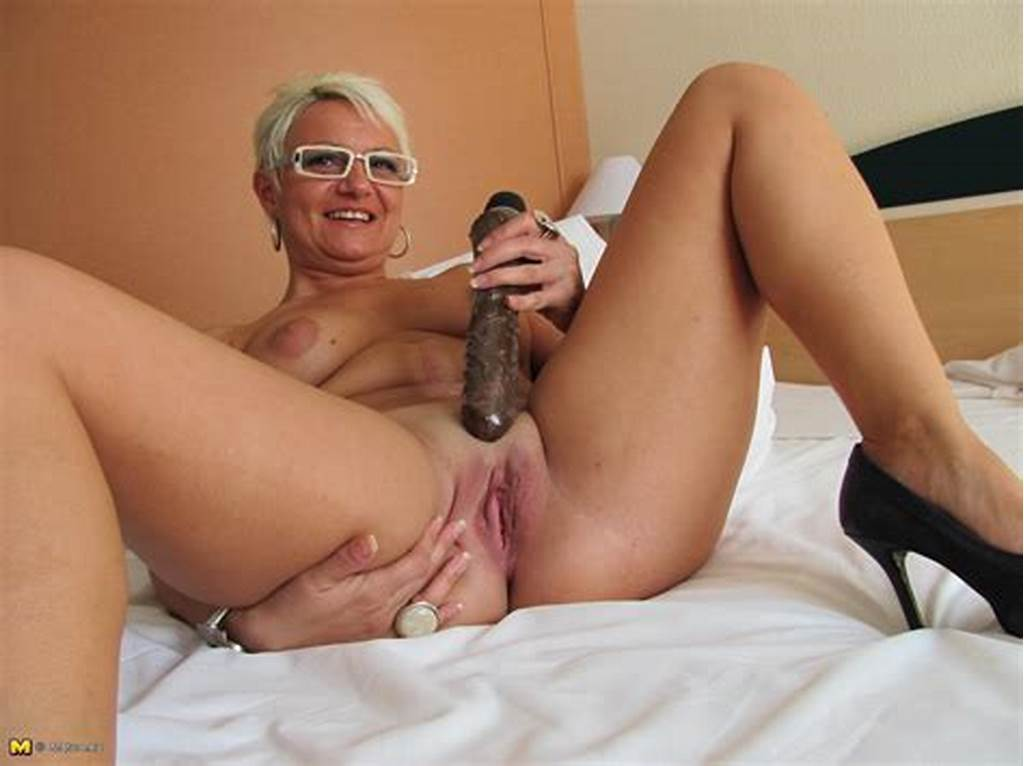 #Housewife #Victoria #Gets #Herself #Wet #And #Wild