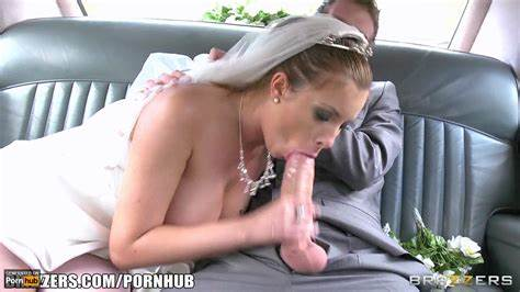 Pretty Milf Flashing Solid Breast In A Fake Taxi