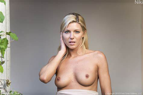 Blonde With Firm Nipple Playtime niki has goose bumps