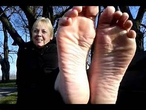 Wrinkled soles worship feet mature