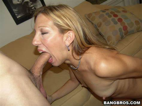 Milf Getting And Ejaculation Swallowing In The Apartment
