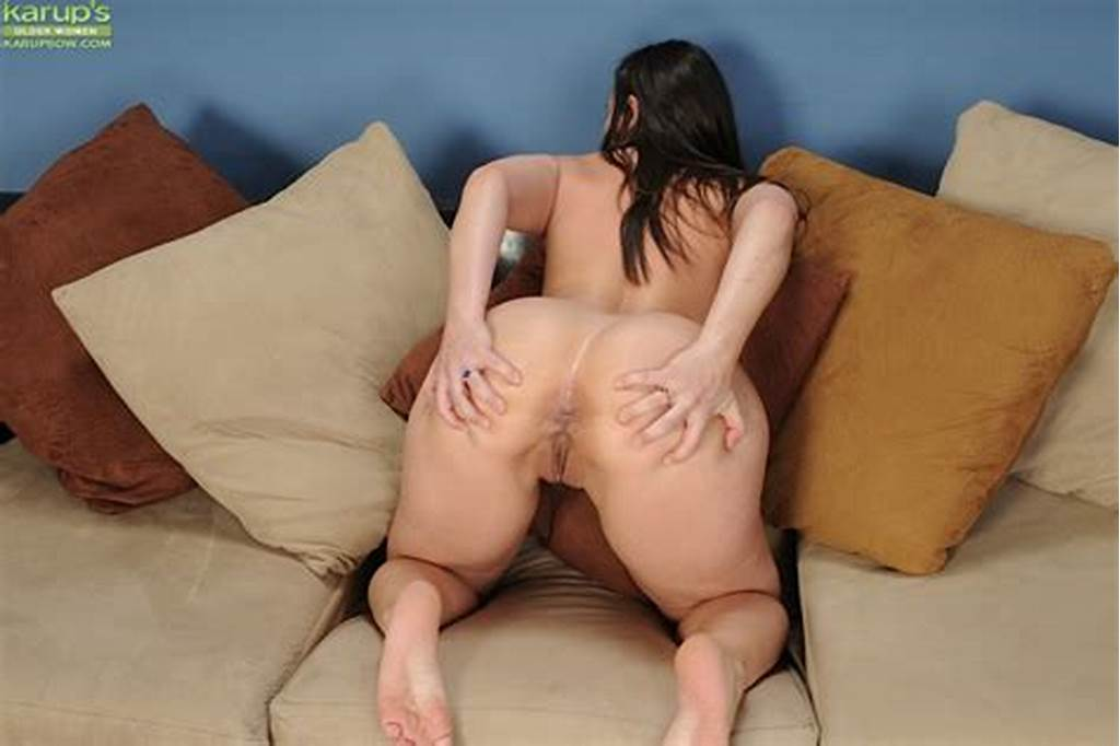 #Fatty #Milf #Sinn #Sage #Spreading #That #Tight #Pussy #And #Loves