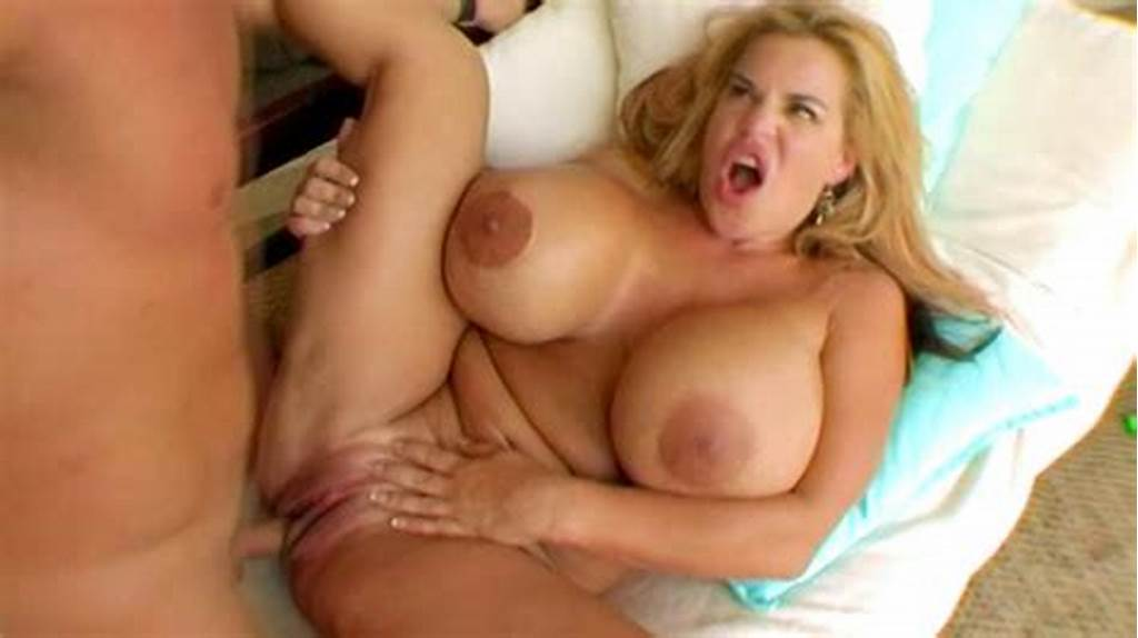 #Busty #Cougar #Likes #It #Rough