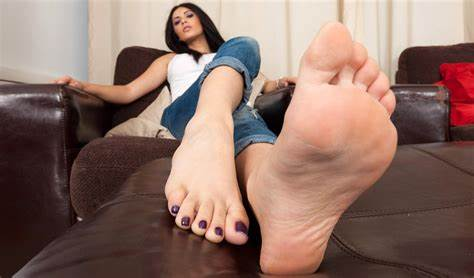 Gloryhole Nylons Jeans Striptease Very Rt Clothing Foot Lady