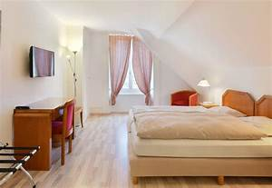 Lit Jumeaux Adulte : chambre double avec lits jumeaux h tel de l 39 aigle couvet ~ Teatrodelosmanantiales.com Idées de Décoration