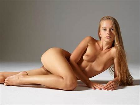 Models Poser Teen Generated Nude