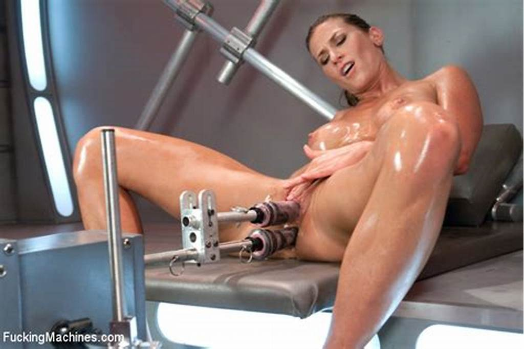 #Strong #Milf #Ariel #X #With #Big #Oily #Booty #Receives #A #Huge