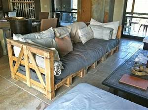 Comment fabriquer un canape en palette tuto et 60 super for Tapis berbere avec assise pour canape palette