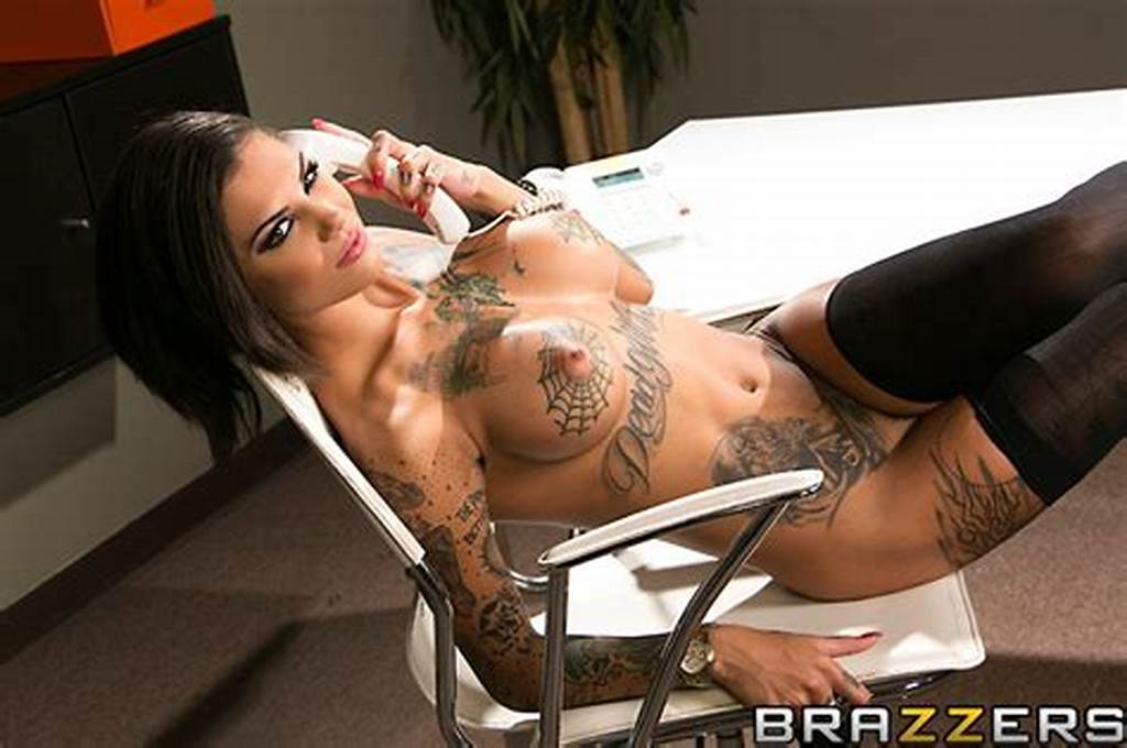 #Bonnie #Rotten'S #Boss #Fucks #Her #Wet #Pussy