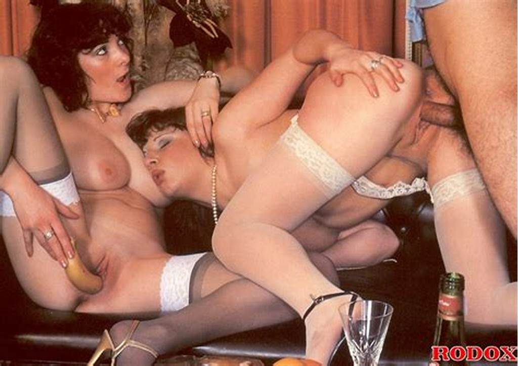 #Tasty #Retro #Hussies #In #Sexy #Stockings #Get #Their #Pussies #Shaved